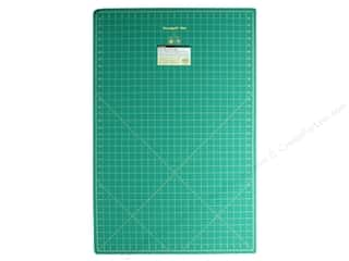 Rotary Cutting Green: Omnigrid Cutting Mat 24 x 36 in. with 1 in. Grid
