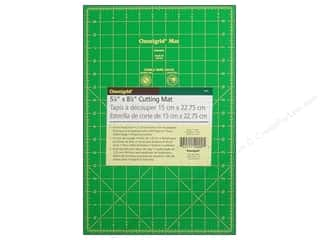 Mats Green: Omnigrid Cutting Mat 5 7/8 x 8 7/8 in. with 1/2 in. Grid