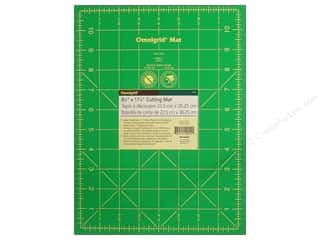 Rotary Cutting Green: Omnigrid Cutting Mat 8 3/4 x 11 3/4 in. with 1 in. Grid