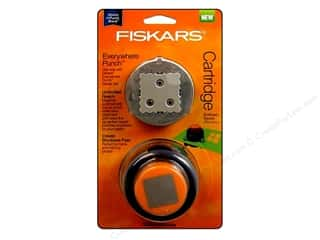 Fiskars Punch Everywhere Scalloped Square