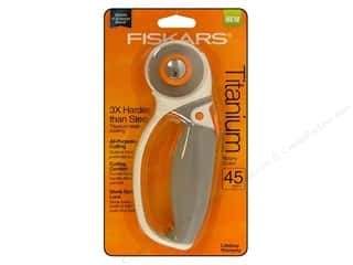 Sewing Construction Sale: Fiskars Comfort Loop Rotary Cutter 45 mm Titanium Softgrip