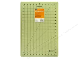 Fiskars Fiskars Cutting Mat Self-Healing: Fiskars Self-Healing Cutting Mat 12 x 18 in. Eco