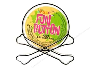 Kelly's Fun Button Crossbones (3 pieces)
