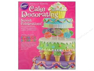 Books $5-$10 Clearance: 2012 Yearbook Of Cake Decorating Book