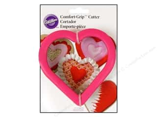 Valentine's Day Cooking/Kitchen: Wilton Cookie Cutter Comfort Grip Heart