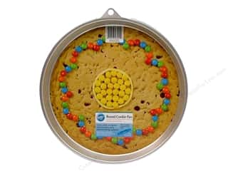 Baking Pans / Baking Sheets: Wilton Bakeware Cookie Pan Giant Round