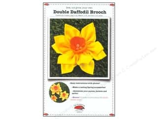 La Todera Quilt Patterns: La Todera Double Daffodil Brooch Pattern