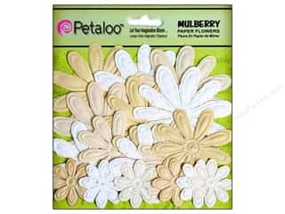 Petaloo Mulberry Daisy Embossed Vanilla Cream 18pc