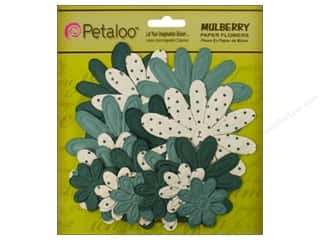 Petaloo Mulberry Daisy Embossed Teal 18pc