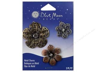 Blue Moon Charm Ranch Metal Flower Multi