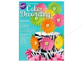 2013 Yearbook Of Cake Decorating Book