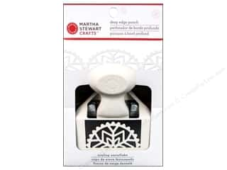 Martha Stewart Punch Deep Edge Scallop Snowflake
