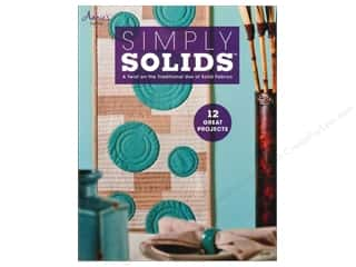 Annies Attic 8 1/2 in: Annie's Simple Solids Book
