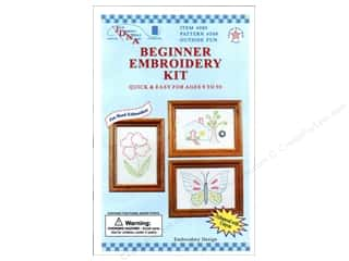 Jack Dempsey Flowers: Jack Dempsey Beginner Embroidery Kit Outside Fun