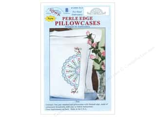 Stamped Goods Hearts: Jack Dempsey Pillowcase Perle Edge White Fan