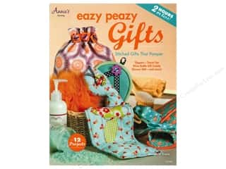 Annies Attic Fat Quarter / Jelly Roll / Charm / Cake Books: Annie's Eazy Peazy Gifts Book by Margaret Travis