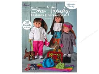 Annies Attic Fat Quarter / Jelly Roll / Charm / Cake Books: Annie's Sew Trendy Fashions & Accessories Book by Chris Malone