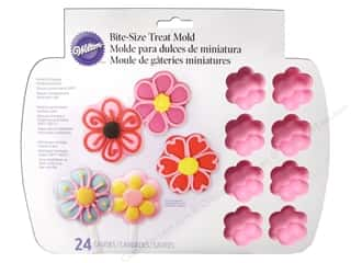 Wilton: Wilton Treat Molds Silicone 24 Cavity Daisy