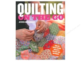 Workman Publishing $10 - $12: Potter Publishers Quilting On The Go Book by Jessica Alexandrakis
