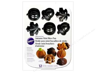 Food Fall / Thanksgiving: Wilton Bakeware Pan Mini Bites 3D Harvest 12 Cavity Easy Release