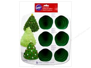 Christmas: Wilton Molds Silicone Mini 3D Tree 9 Cavity