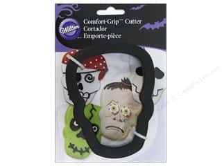 Wilton Cookie Cutter Comfort Grip Skull