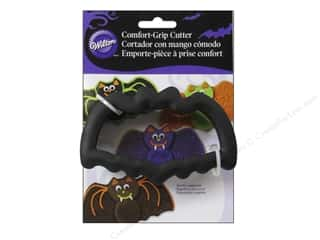 Cooking/Kitchen $2 - $4: Wilton Cookie Cutter Comfort Grip Bat