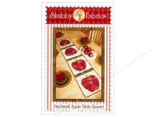 Stitchin' Post Table Runner & Kitchen Linens Patterns: Shabby Fabrics Patchwork Apple Table Runner Pattern