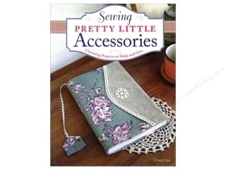 Tote Bag Weekly Specials: Design Originals Sewing Pretty Little Accessories Book