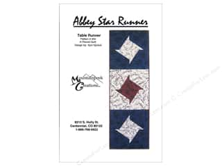 Mountainpeek Creations Table Runners / Kitchen Linen Patterns: Mountainpeek Creations Abbey Star Runner Pattern