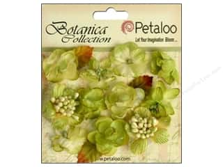 Scrapbooking Flowers: Petaloo Botanica Collection Minis Pistachio