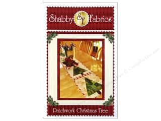 Fabric Christmas: Shabby Fabrics Patchwork Christmas Tree Table Runner Pattern