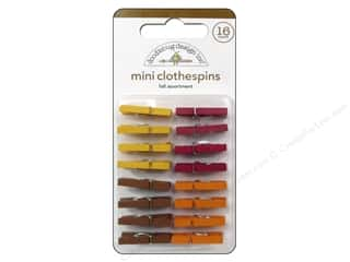 American Crafts Fall / Thanksgiving: Doodlebug Friendly Forest Mini Clothespins Fall